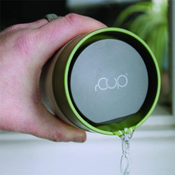 Circular&Co (rCup) to izolowany kubek wykonany z poddanych recyklingowi papierowych kubków do kawy. Beza szkodliwego bisfenolu A (BPA)