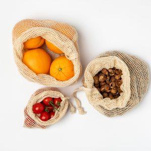 Woreczki na warzywa i owoce wykonane z certyfikowanej bawełny, w stylu zero waste