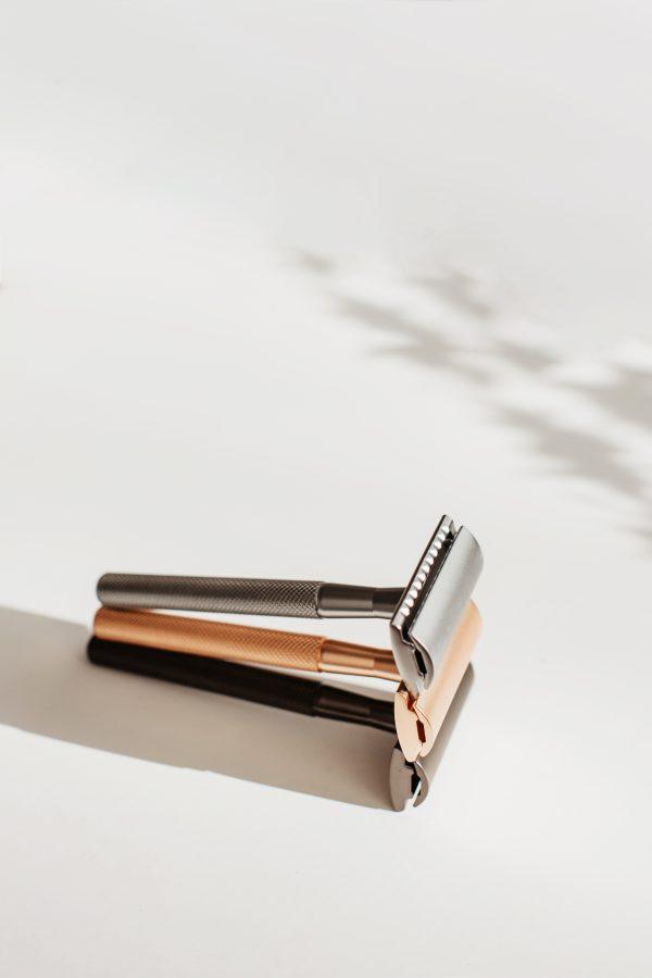 Maszynka do golenia na wymienne żyletki marki Bambaw.