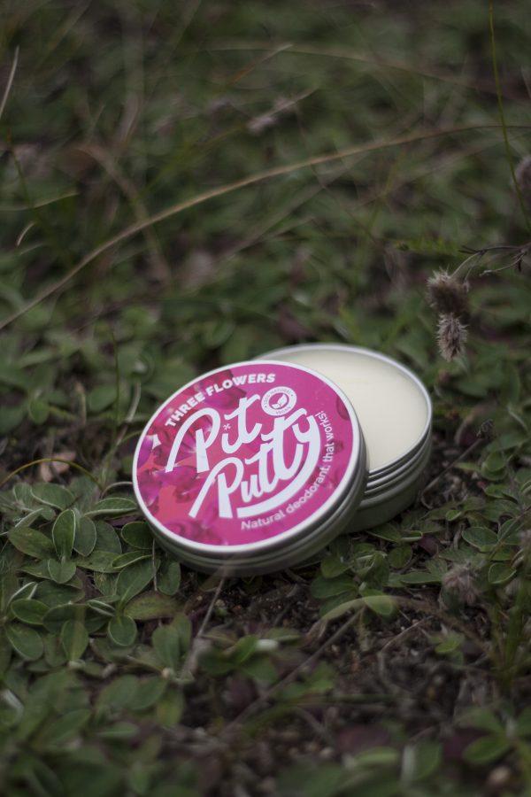 Naturalny dezodorant w kremie Pit Putty o zapachu kwiatowym. Ekologiczny i skuteczny.