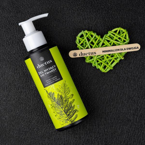 Orzeźwiający żel myjący do codziennego stosowania. Dzięki zawartości delikatnych składników oczyszczających, skutecznie usuwa wszelkie zabrudzenia.